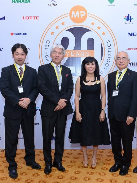 Japan Consul General, Ms. Minh Phuong, Vice Chairman of JBAH, DGD of Ajinomoto Vietnam (from right to left)